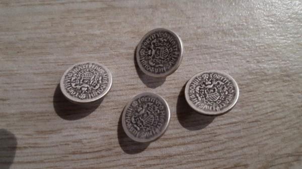 Metall-Knöpfe altsilber